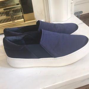 Vince Warren Slip-on Satin Sneaker Navy Sz 10